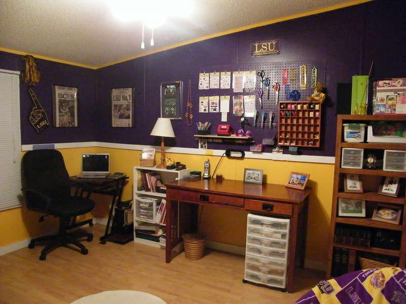 LSU  SCRAPBOOK ROOM