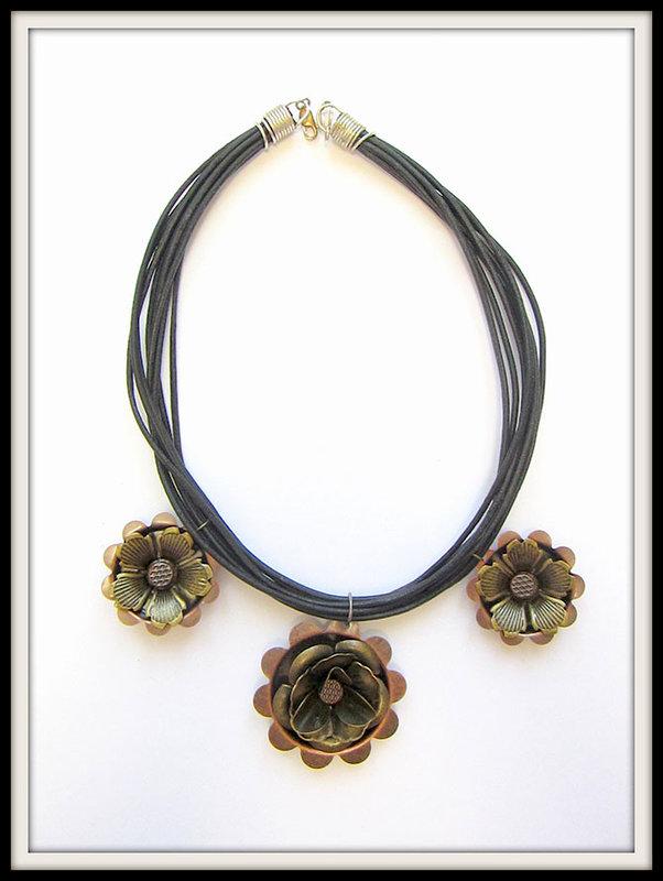 Metal Necklace- Prima's Finnabair
