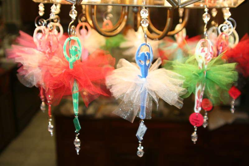 Ornaments-9 ladies dancing