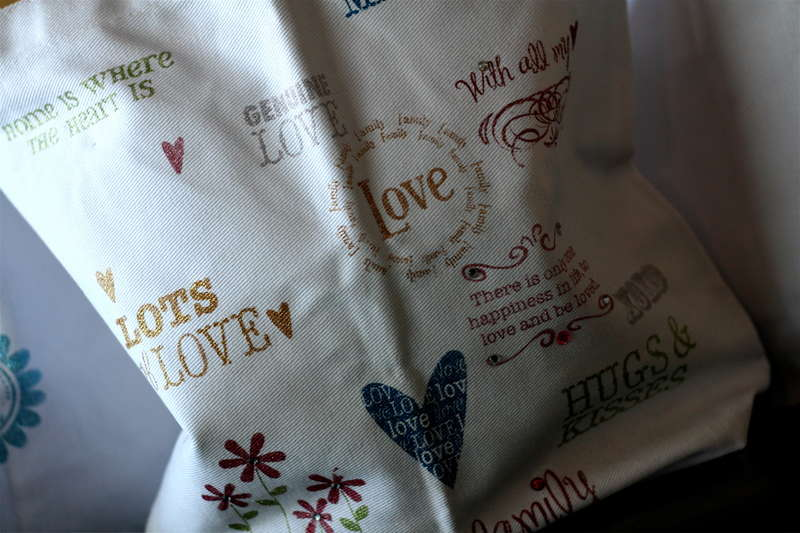 We R Memory Keepers Foil, Flock & Glitter Kit - Canvas Tote Bags