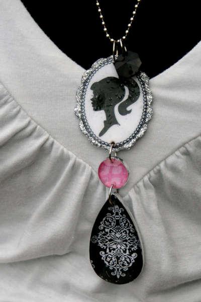 Teresa Collins Blingage Reversable Necklace Tutorial