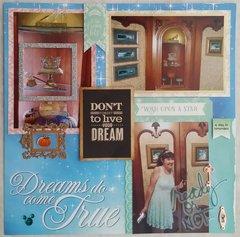 Cinderella Castle Suite Foyer, right page