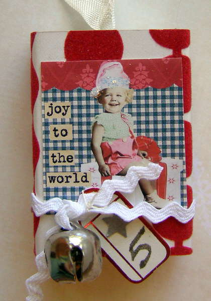 Countdown to Christmas Matchbox swap - Day 5