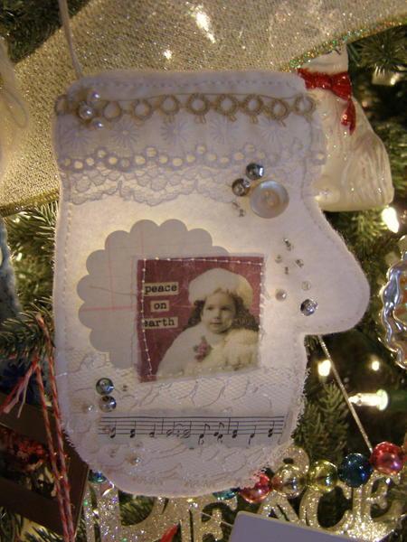 Christmas Mitten ornament