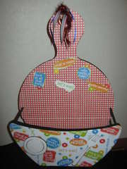 Paper Plate Holder by C