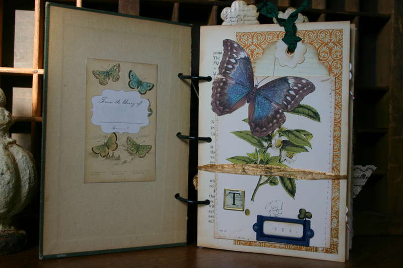 Inside pages of HOW DOES YOUR GARDEN GROW Journal