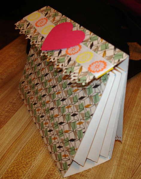 accordion card holder