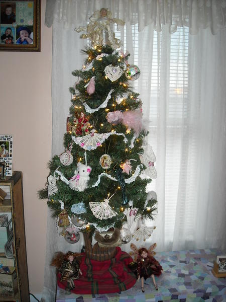 Victorian Christmas Tree (Living Room)