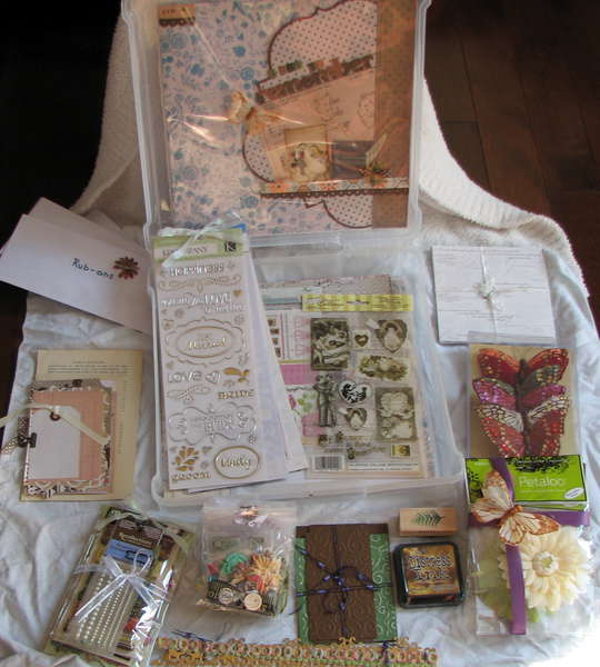 Vintage Wedding Kit unpacked a bit