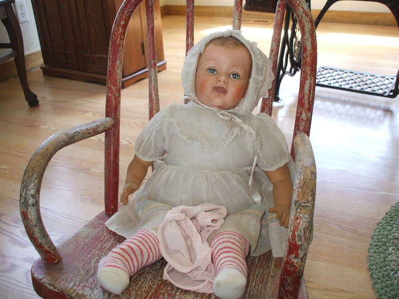 JFF...[POD]...5-17-09...Antique doll/chair