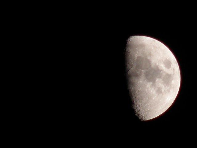 FEB 2015 / Photo Fun / #11 Waxing Gibbous moon