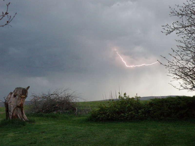 POD...APR 1/15...Lightning