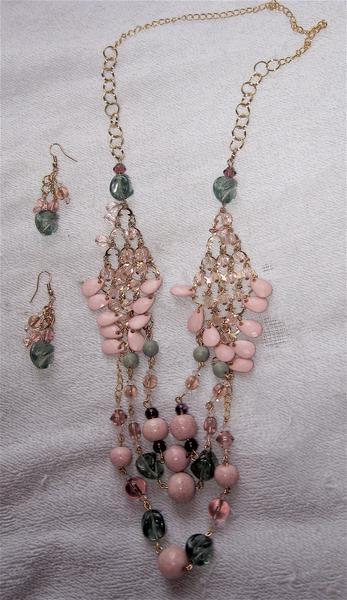 Necklace set if Jan 1/2013