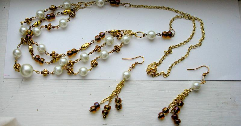 Gold beaded set