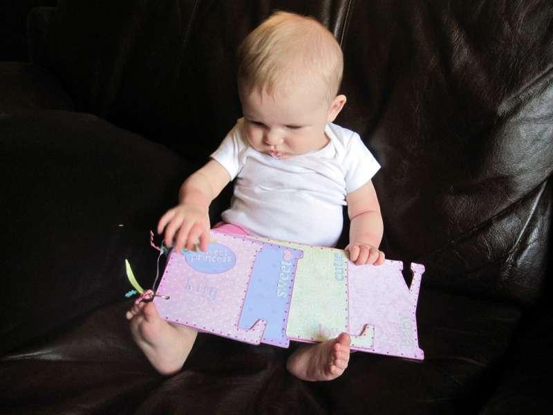 Lily & her mini-book