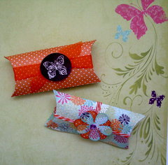 Spring favor boxes **Moxxie**