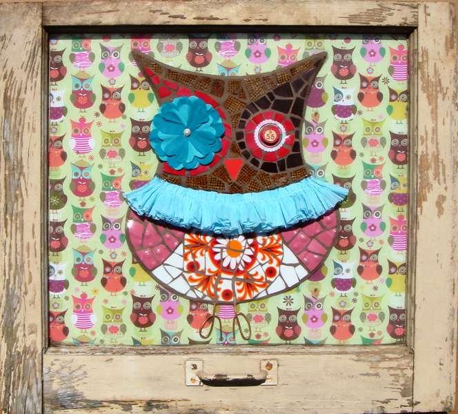 """HOOT"" Owl Vintage Window Wall Art"