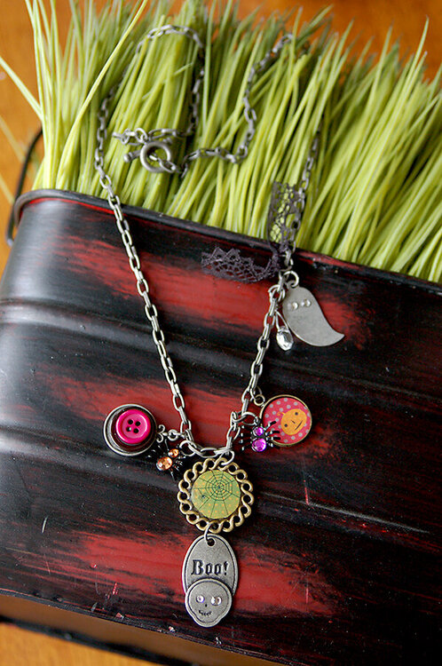 halloween necklace...