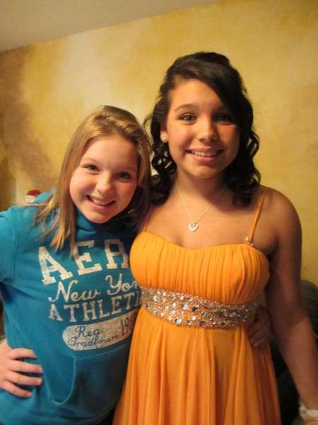 Kelie and Krystin before Kelie going to Homecoming.