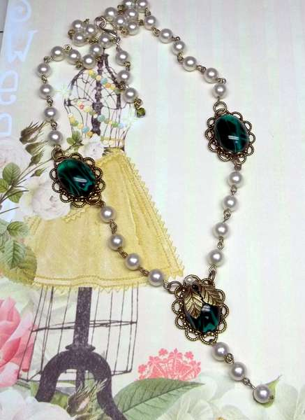 Pearl and Emerald Cabachon Necklace