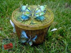 Beautiful Butterflies Tree Stump ~ Red Rubber Designs DT
