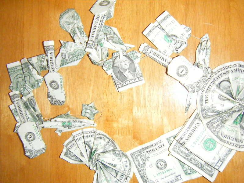 Hawaiian themed origami money graduation lei