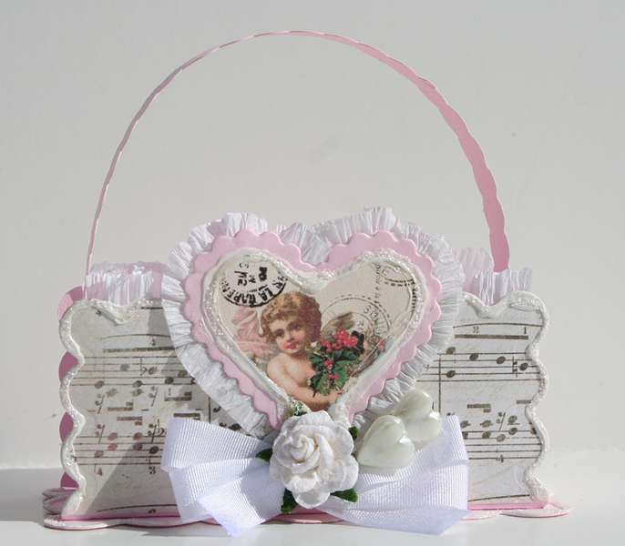 Spellbinders' Valentine favor / treat basket