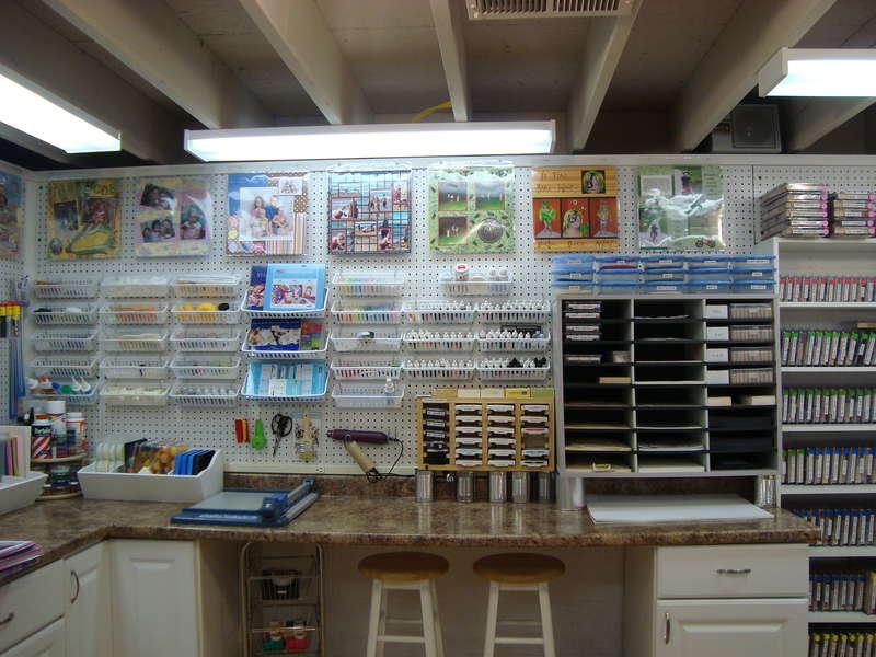 Dink's Craft Studio, Shelf-Full Wall