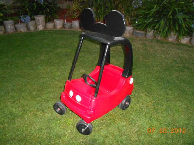 Mickey Cozy Coupe