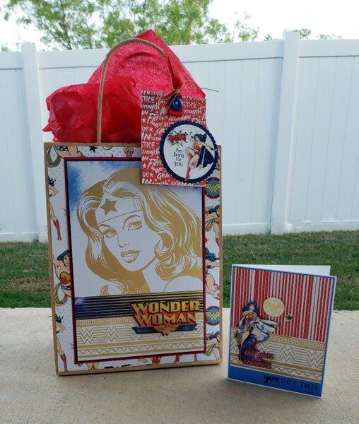 Wonder Woman gift bag and card
