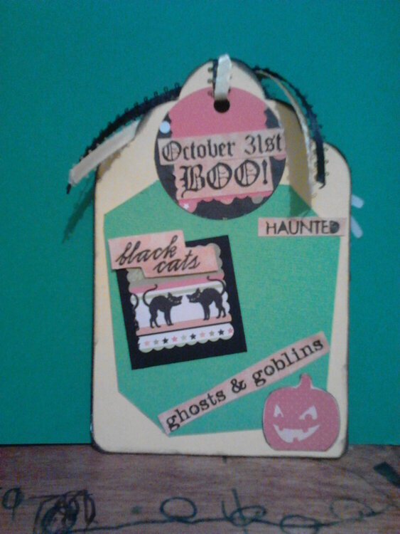 BACK OF HALLOWEEN TAG