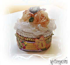 Altered tin cupcake box ***SCRAPS OF ELEGANCE***