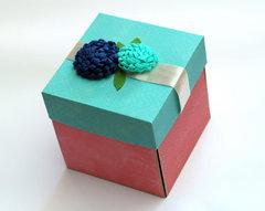 Love Explosion Box by Melania Bertin