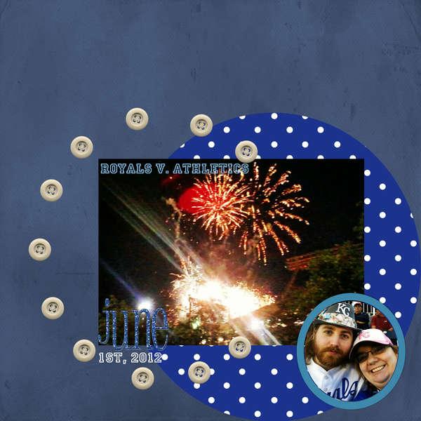 Monochrome: Night Sky - Royals Fireworks