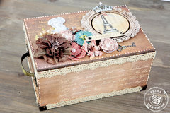 En Francais Treasure Box
