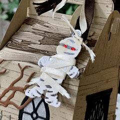 Spooky Cottage Gable Box - Mummy close up