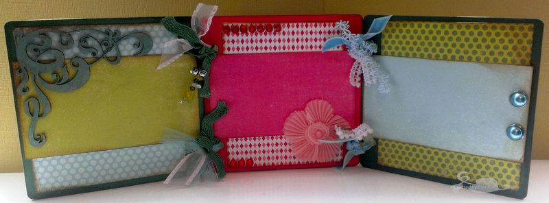 Trifold Mini 2013 **Memory Maze and Flamingo Scraps**