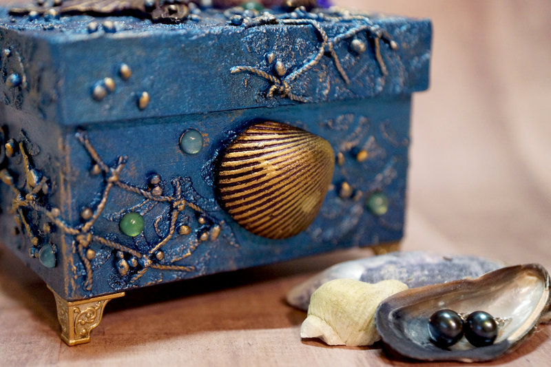 Mermaid Pearls Jewelry Box
