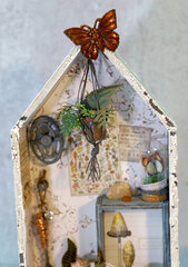 Live Life in Full Bloom Mini Potting Shed