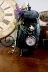 Mad Hatter's Heart: Altered Tim Holtz Assemblage Clock