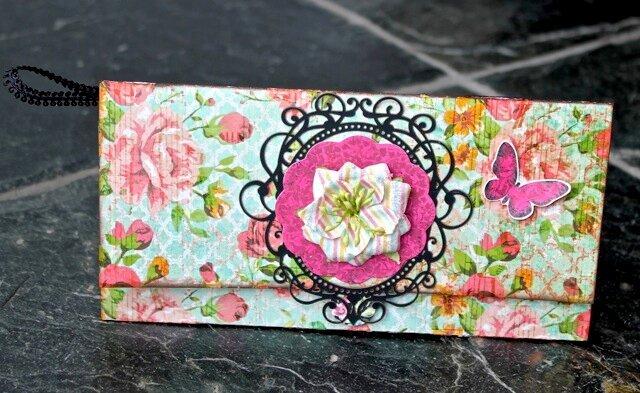 """Folded """"purse"""" card (C'est Magnifique)"""