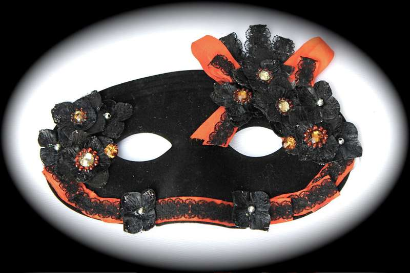 Halloween Mask 2012 *Swirlydoos Kit Club*