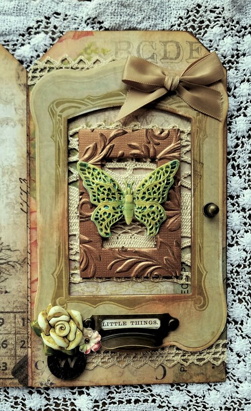 Accordion Tag Book Tim Holtz Vintage Style