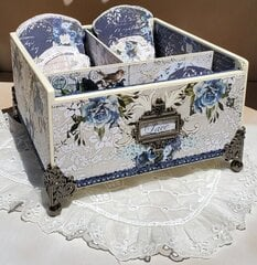 Lace box and Keepers.