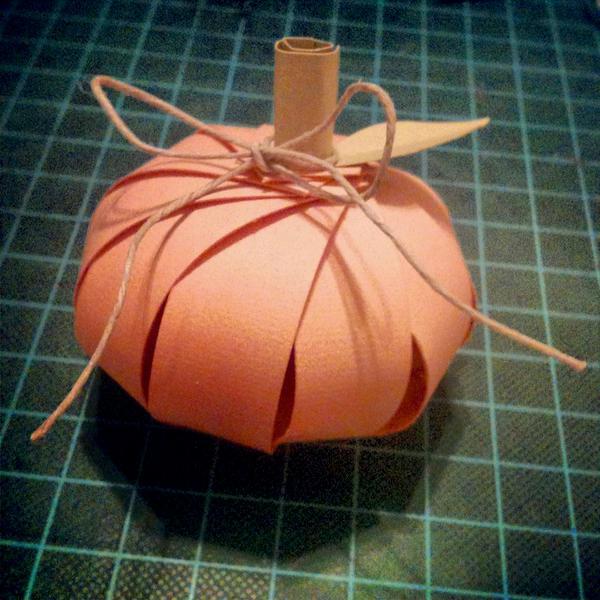 Little paper strip pumpkin