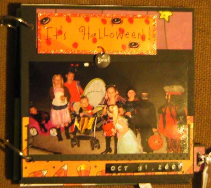 It's Halloween-mini cover