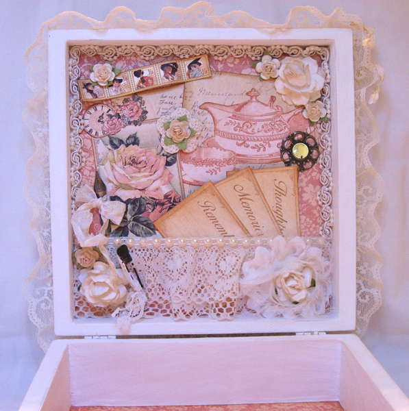 Martica's SS Swap Ladies Diary Keepsake Box inside