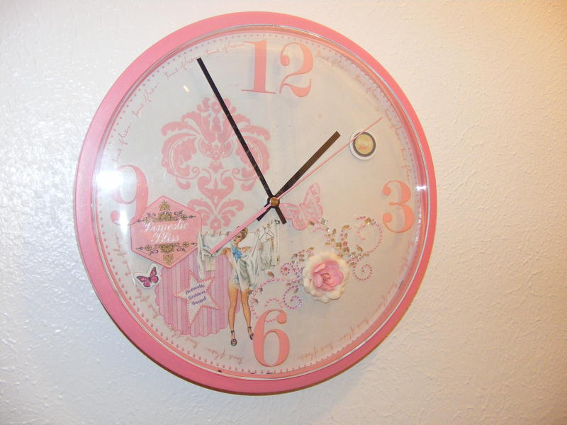 Scraproom Clock