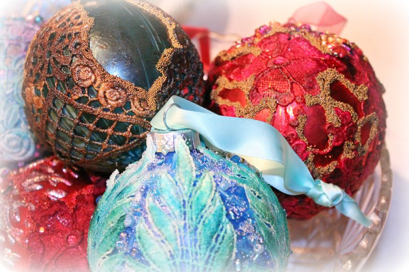 "CHRISTMAS ORNAMENTS ""Tresors de Luxe Design Team Project"