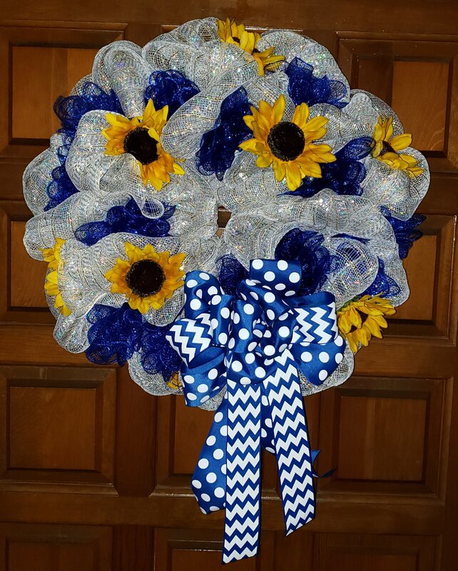 Sun Flower Blue/White Deco Mesh Wreath